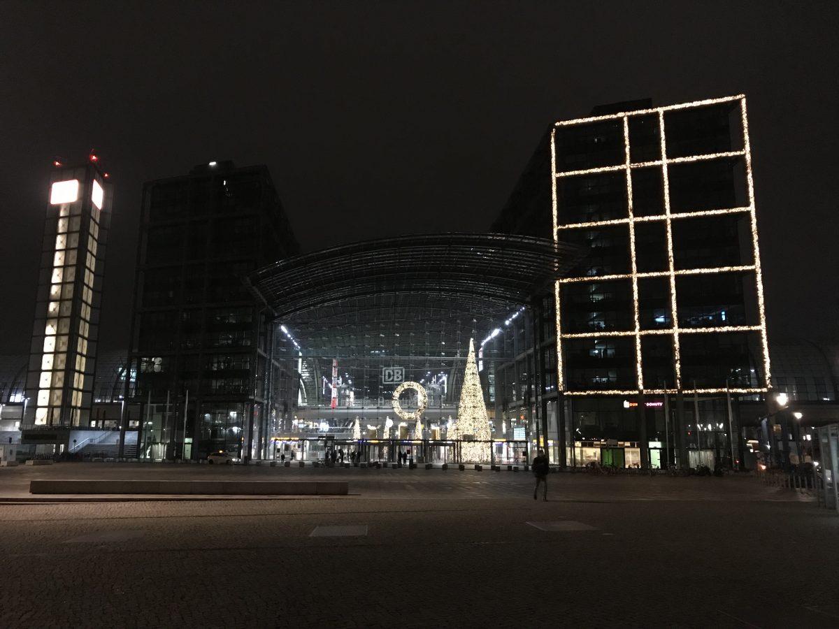 Fahrt mit einem echten Kurswagen: Berlin, Dresden, Prag und Zürich