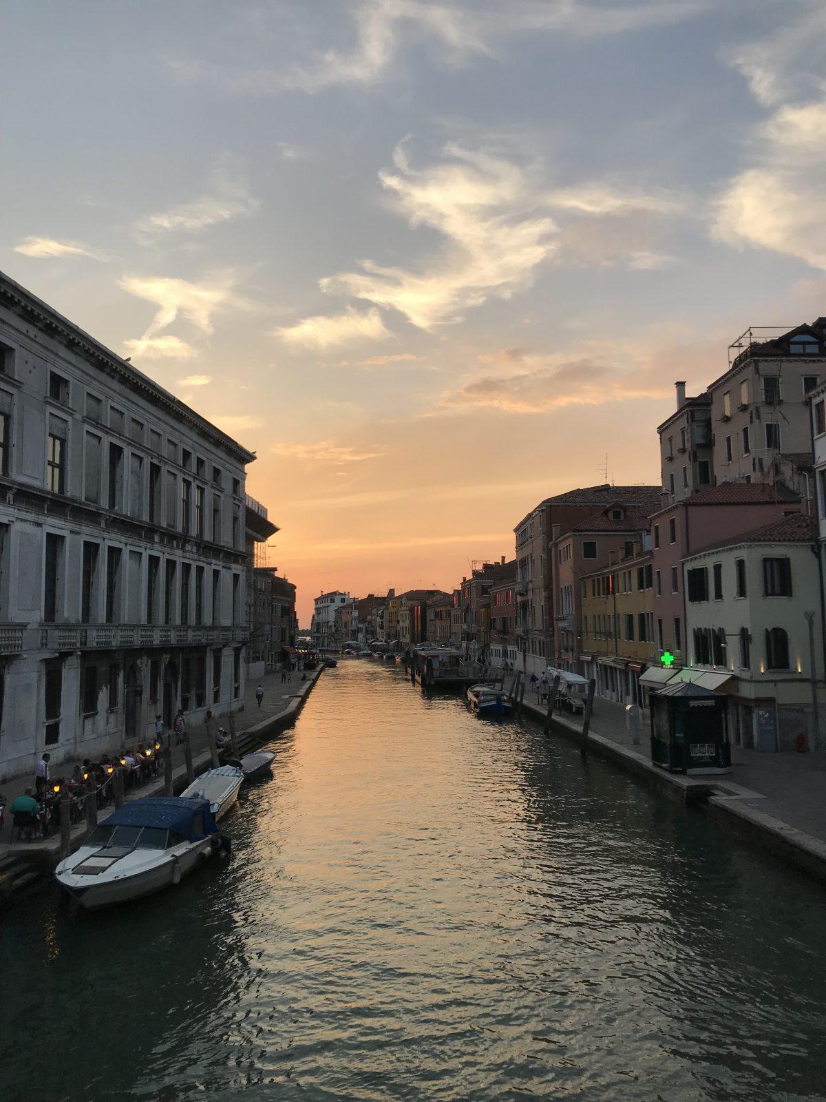 Sechs Stunden ohne Halt: Über verschlungene Wege nach Venedig